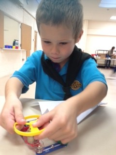 Making a circuit to get the yellow spinner to fly